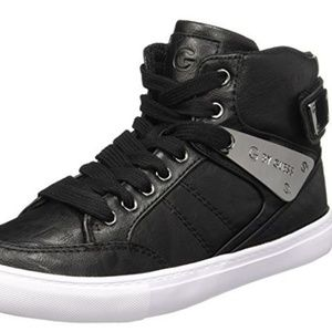 Guess Odean womens sneaker- 8M- Display